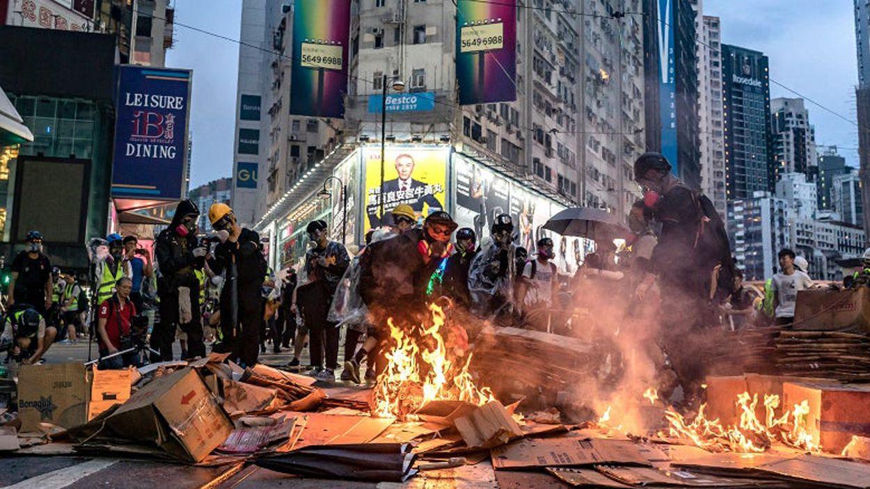 Afbeelding van Geweld in Hongkong houdt aan: vierde dag op rij duizenden demonstranten op straat